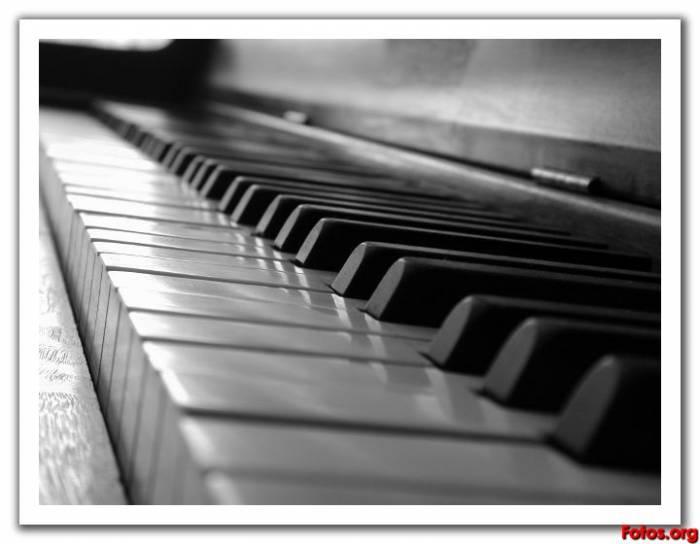 20100723054659-piano.jpg